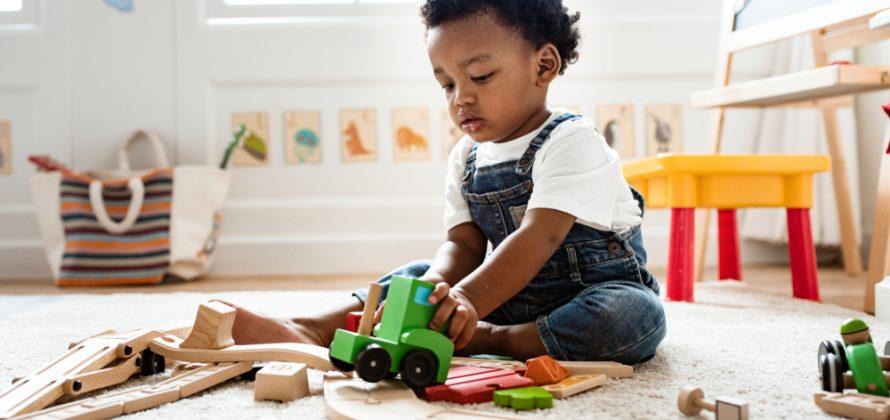 Maneiras simples de entreter e impulsionar o desenvolvimento do seu bebê em casa