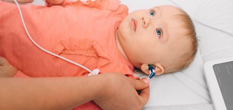 Novo serviço no Hospital Sabará para crianças com deficiência auditiva