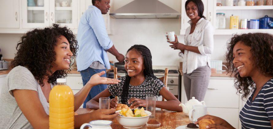 Café da manhã: entenda os benefícios para crianças e adolescentes