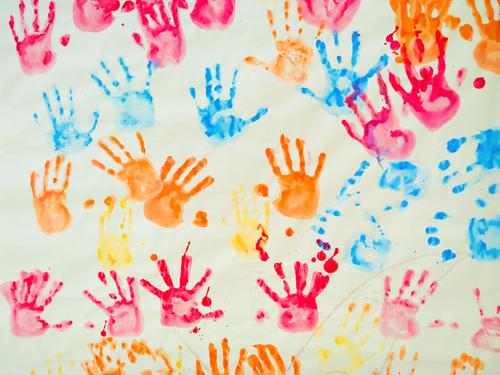 Novembro Prateado: uma campanha pelos direitos das crianças e adolescentes