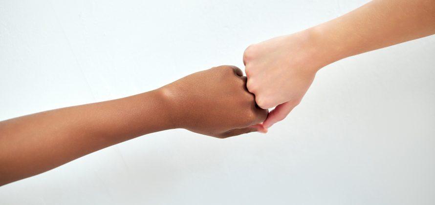 Adversidade na primeira infância e os impactos do racismo na saúde