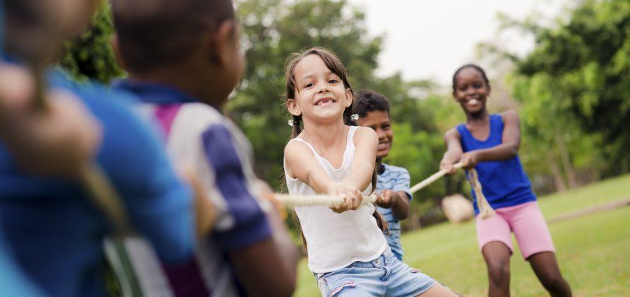 Obesidade infantil deve ser tratada com hábitos saudáveis, e não dieta