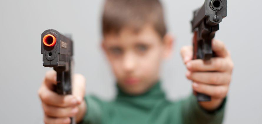 Arma não é brinquedo nem deve ser brincadeira